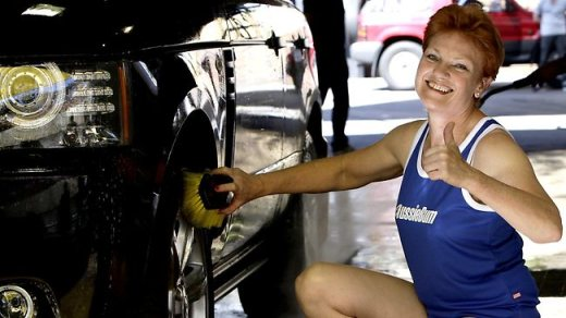 Pauline Hanson aussieBum stunt